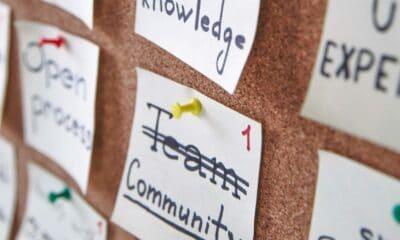 Community post-it note